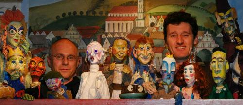 Josef Parzefal und Richard Öhmann mit ihren Puppen