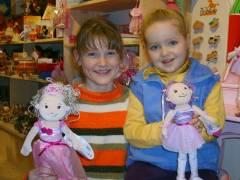 Kinder mit Groovy Girls bei Amedi
